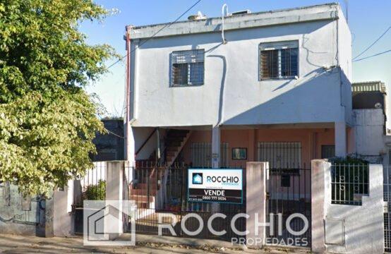Casa en J.L.Suarez, Av. Central 7900