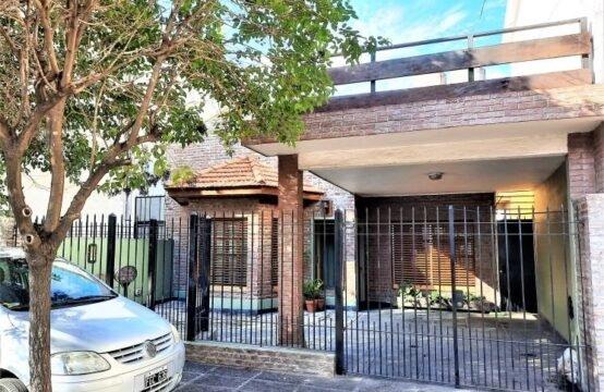 Casa en Villa Ballester, Av. Argentina 200